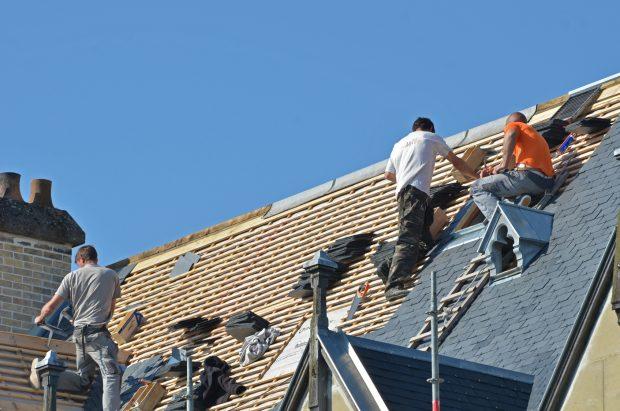 Comment trouver un couvreur pour refaire sa toiture ?