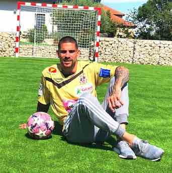 Carl Medjani est un footballeur professionnel